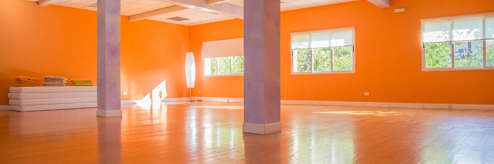 Amalurra Orange Room